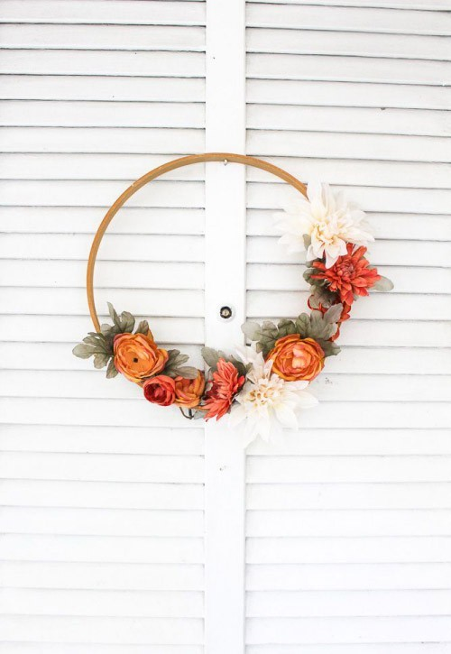 Herbstkranz minimalistisch schöne Herbstblumen