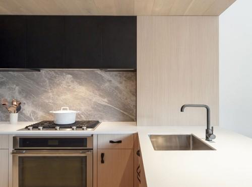 Raumdetails sind wichtig Küchenrückwand aus Marmor sehr auffallend und schön