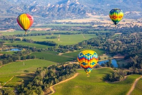 Reiseziele im September Napa Valley Ballonfahrt unternehmen die Landschaft von oben bewundern