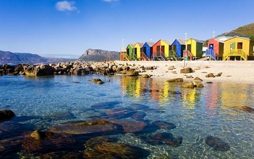 Strand St. James Kapstadt schöne Natur bunte Strandhäuser ausgewählte Reiseziele im September