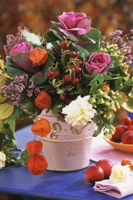 Tischdeko im Herbst Blumenarrangement