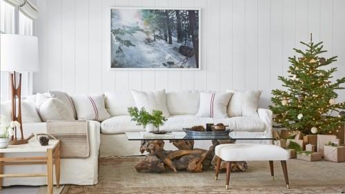 Wohnzimmer im Landhausstil moderne Möbel in Weiß rustikales Flair in der Dekoration