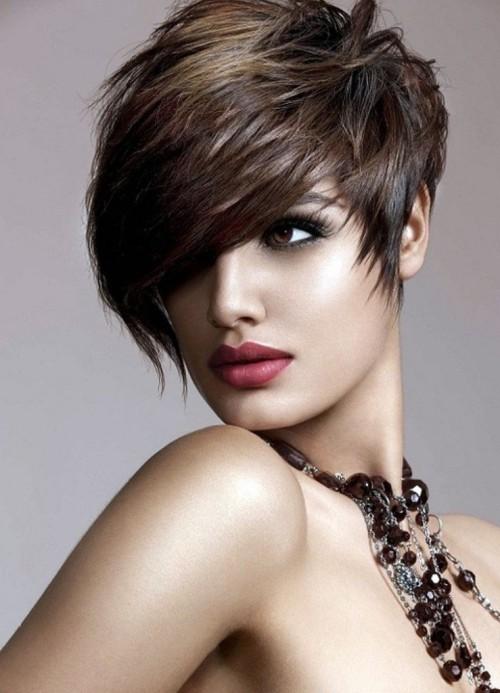 asymmetrische Frisuren braun
