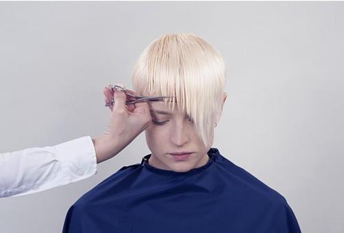 asymmetrische Frisuren schneiden
