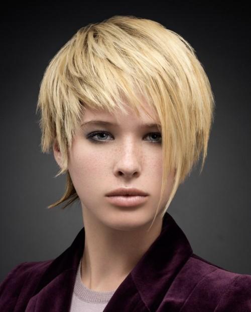 asymmetrische Frisuren wenig schminke