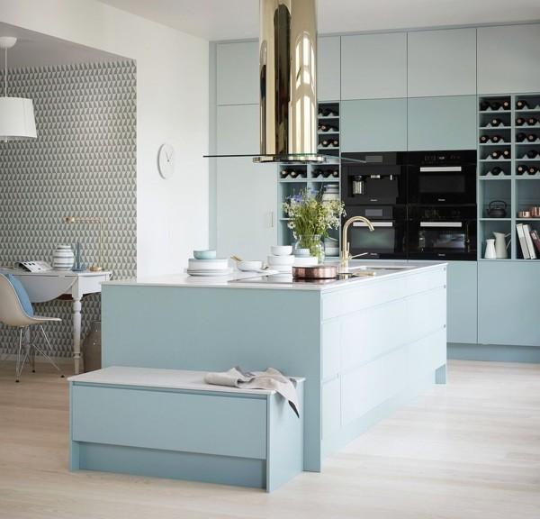 skandinavische küche einrichten muster wanddeko blaue fronten-resized