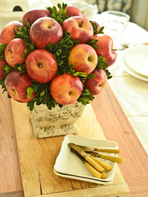 tischdeko herbst äpfel buchsbaum