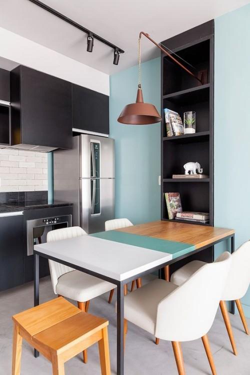Farbenfroh ein Mix aus Grau Puderblau Weiß Silber Schwarz Holz