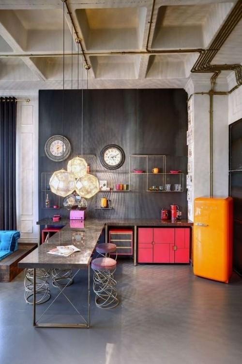 Farbenfroh und ansprechend Küche in Industrial Style farbenfrohe Akzente