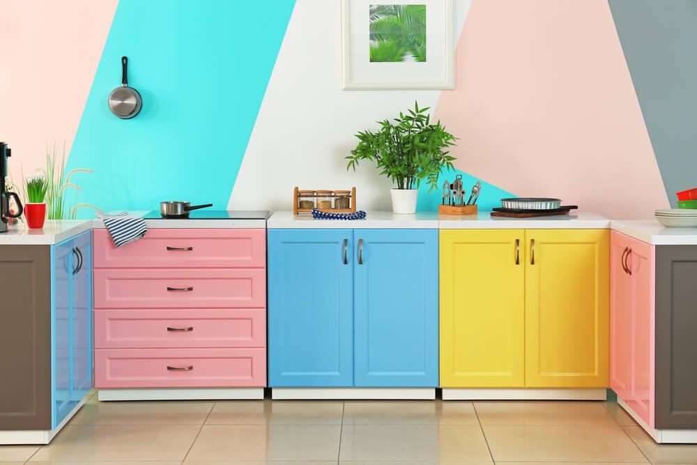 farbenfroh und sehr ansprechend erlauben sie sich mehr farbe in der k che fresh ideen f r. Black Bedroom Furniture Sets. Home Design Ideas