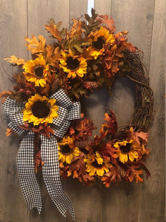 Herbstkränze ländlich mit einem schleifen
