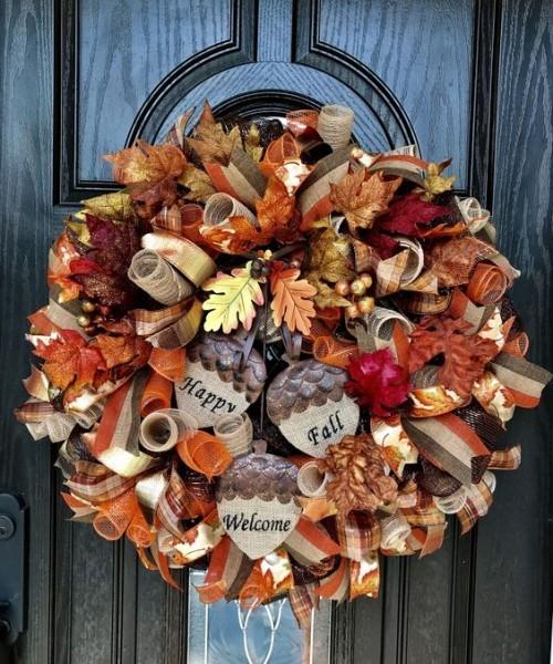 Herbstkränze mit Glücksbringern