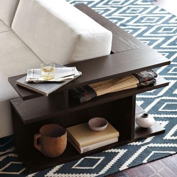 Modernes Sofa mit integriertem Tisch