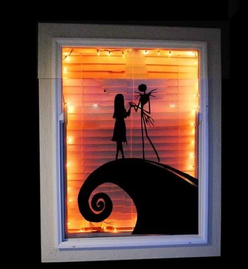 Romantisches Schattenbild passende Halloween Fensterdeko