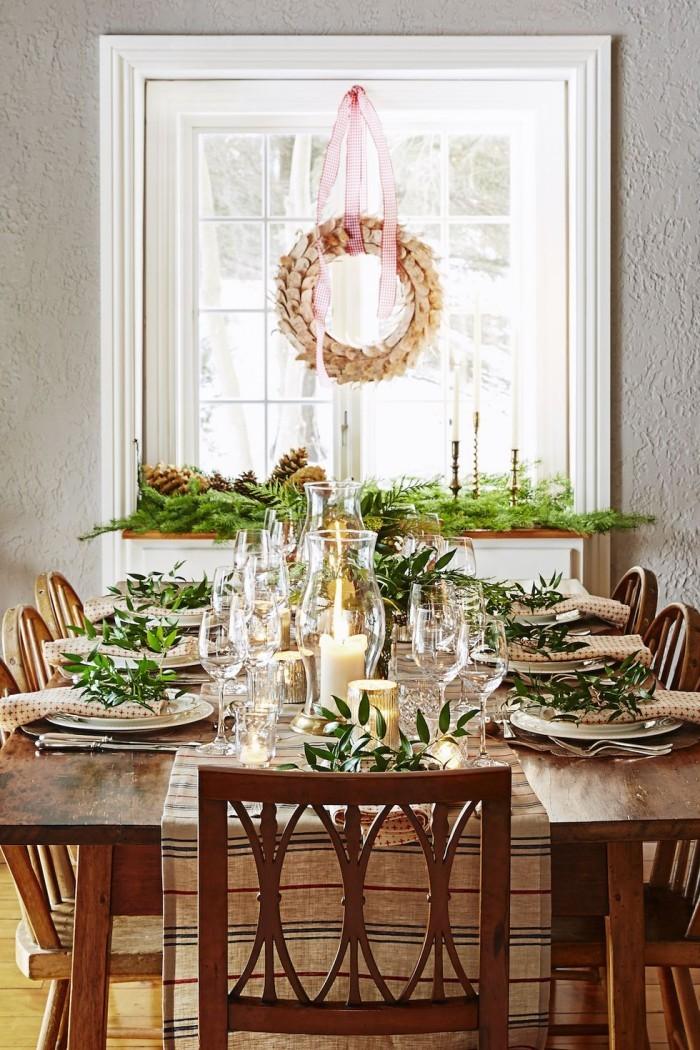Tischdeko Ideen zu Weihnachten festlich dekorierter Tisch