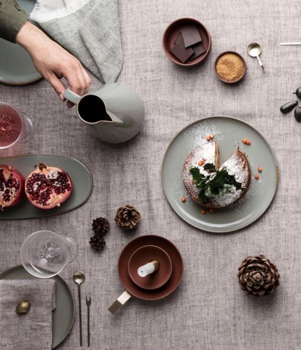 Trendfarben 2018 Keramik Geschirr in erdigen Nuancen sehr populär