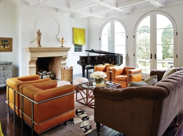 Trendfarben 2018 modernes Wohnzimmer orangengelbe Polstermöbel frischer herbstlicher Hauch