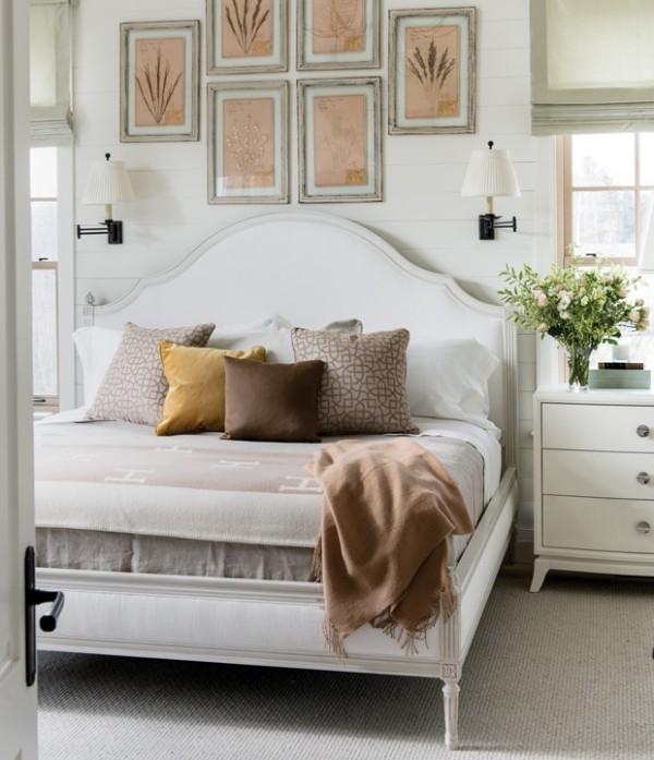 Trendfarben 2018 weißes Schlafzimmer aufpeppen Brauntöne warmes Gold beruhigendes Beige