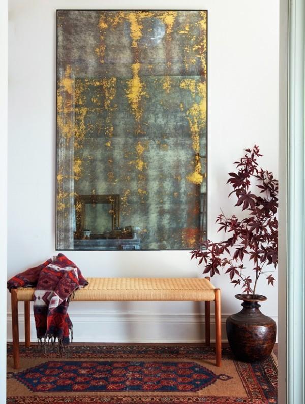 Vintage Elemente im Flur Gemütlichkeit zuhause Spiegel Bank Teppich