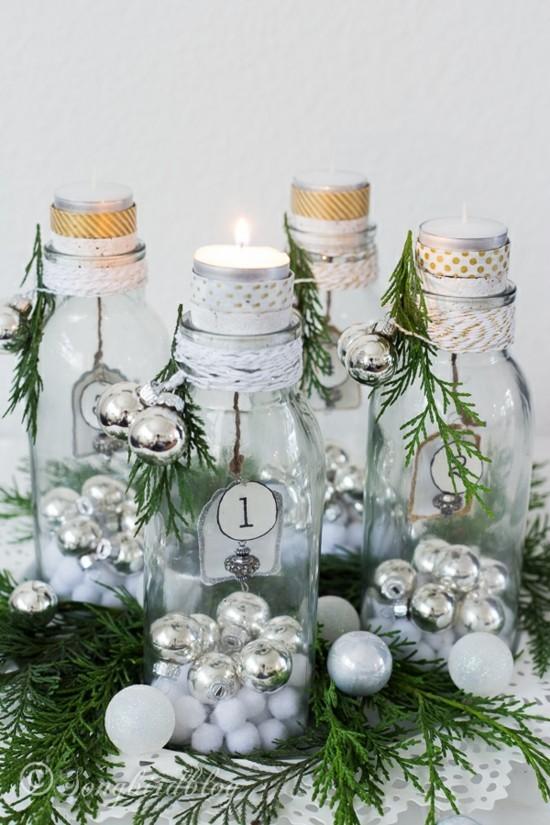 adventskranz selber basteln glasflaschen weihnachtskugeln