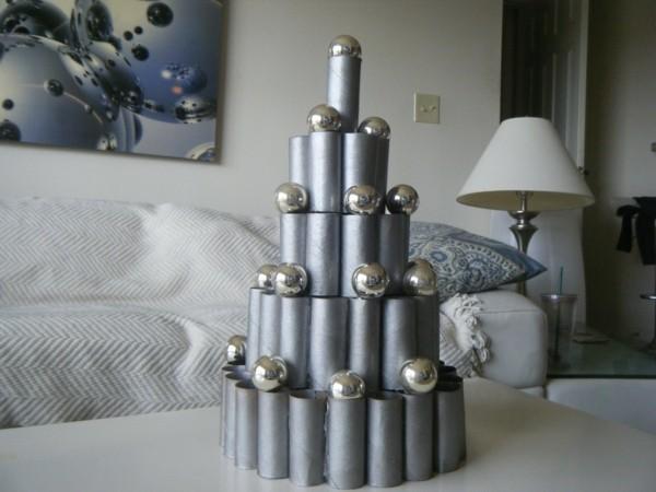 ausgefallene weihnachtsdeko selber machen weihnachtsbaum aus klopapierrollen