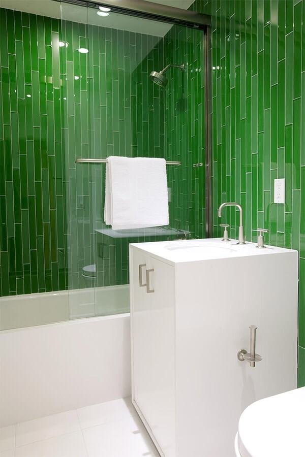 badezimmergestaltung exotisches grün