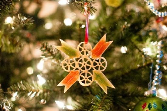 basteln mit nudeln schöne weihnachtssterne