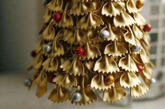 basteln mit nudeln weihnachtsbaum