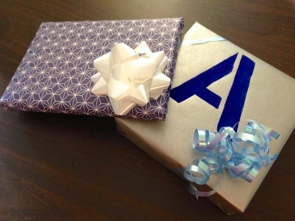 buchstaben und muster geschenkpapier