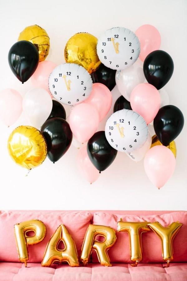 deko ideen viel uhren und luftballons