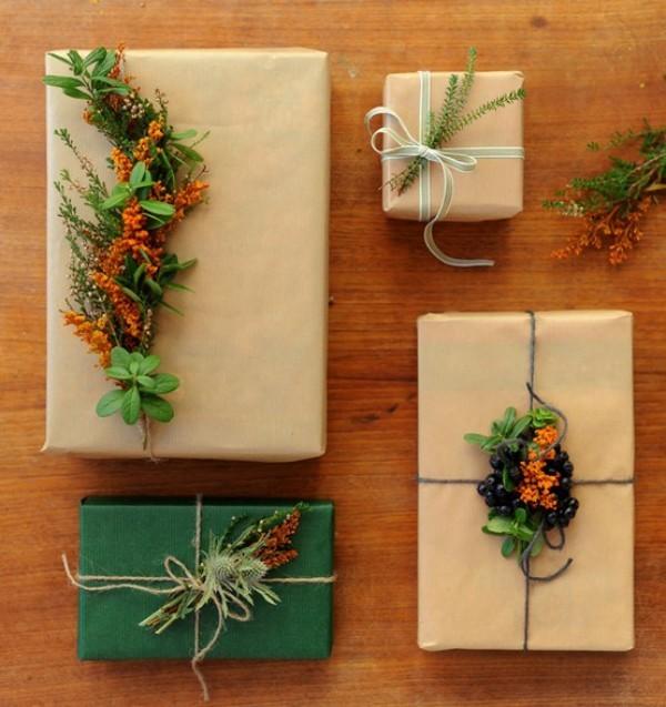 deko mit naturmaterilaien für geschenkpapier