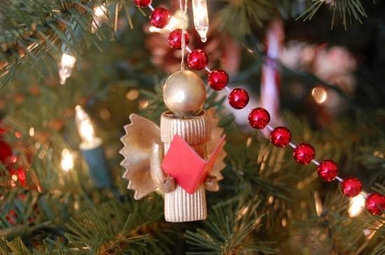 engel als weihnachtsschmuck basteln mit nudeln