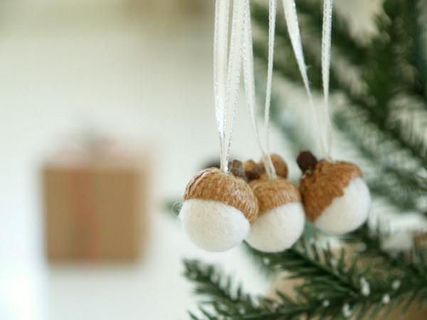 filz deko basteln mit eicheln zu weichnachten