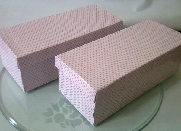 gepunktetes papier - tolles geschenkpapier