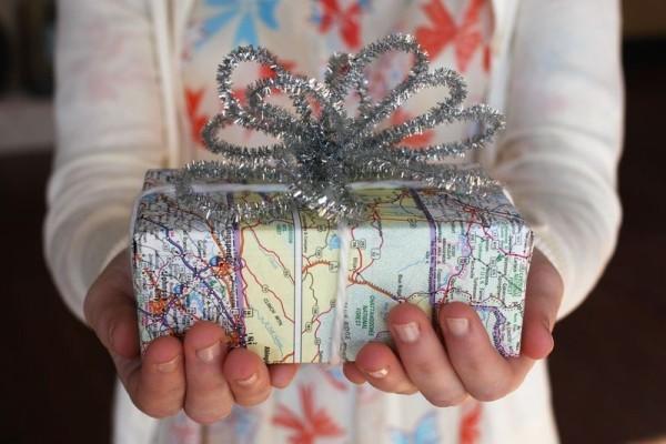 geschenkpapier alte weihnachrsbaum deko