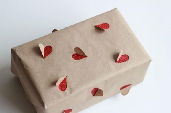 geschenkpapier herzen als muster