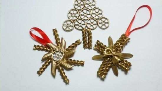 goldene weihnachtssterne basteln mit nudeln