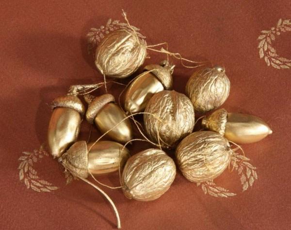 goldlack dekoideen basteln mit eicheln
