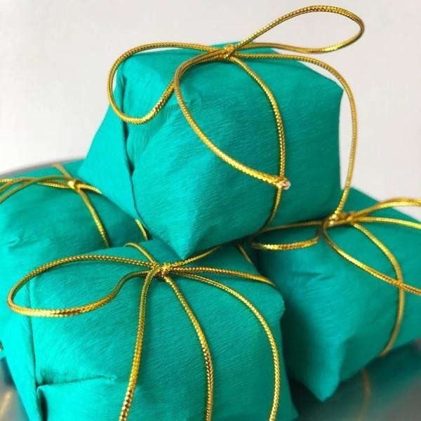 grüne geschenkverpckung weihnachtsbastelideen