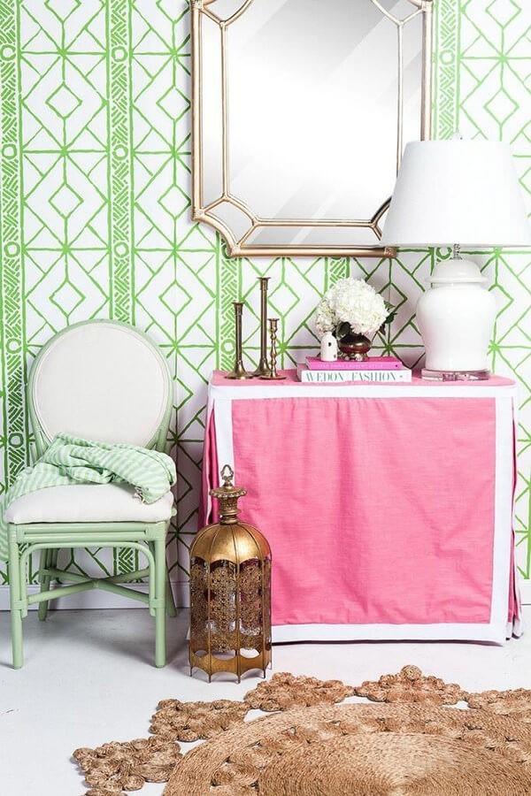 grüne muster in der badezimmergestaltung