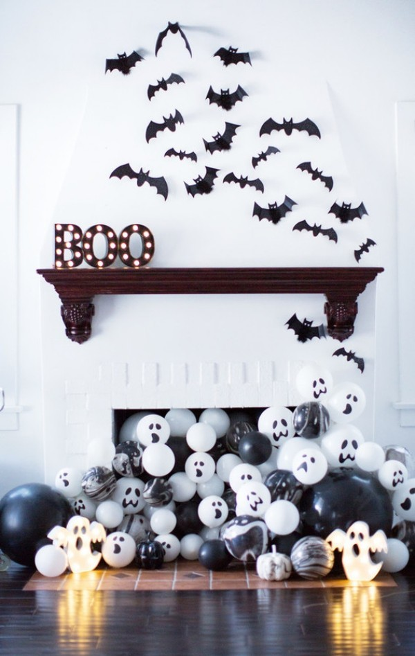 halloween deko federmäuse am kamin