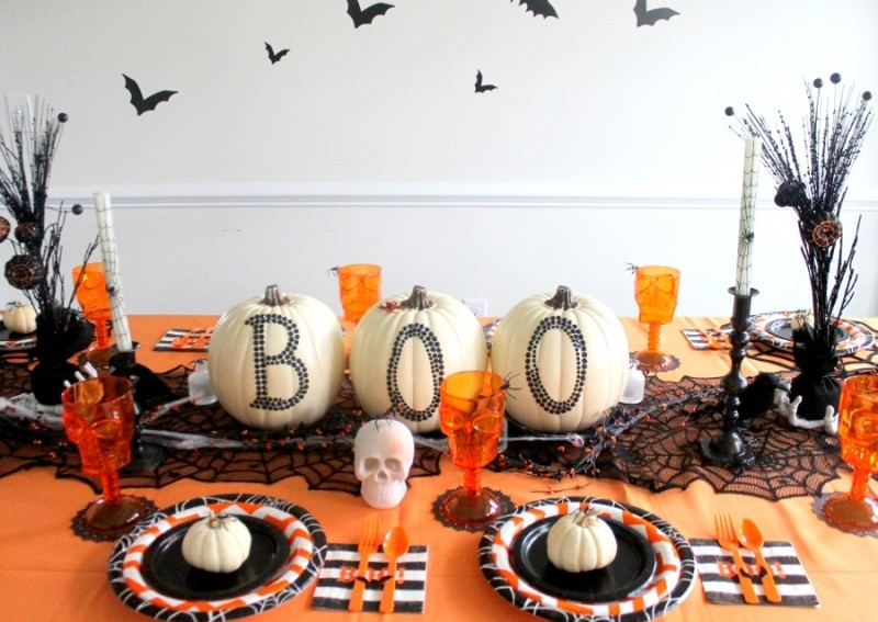 halloween deko orange und weiß