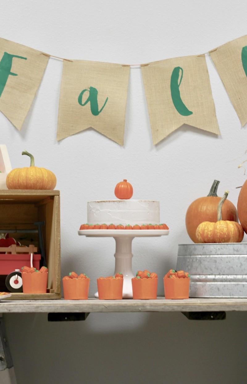 halloween deko orangene kerzen