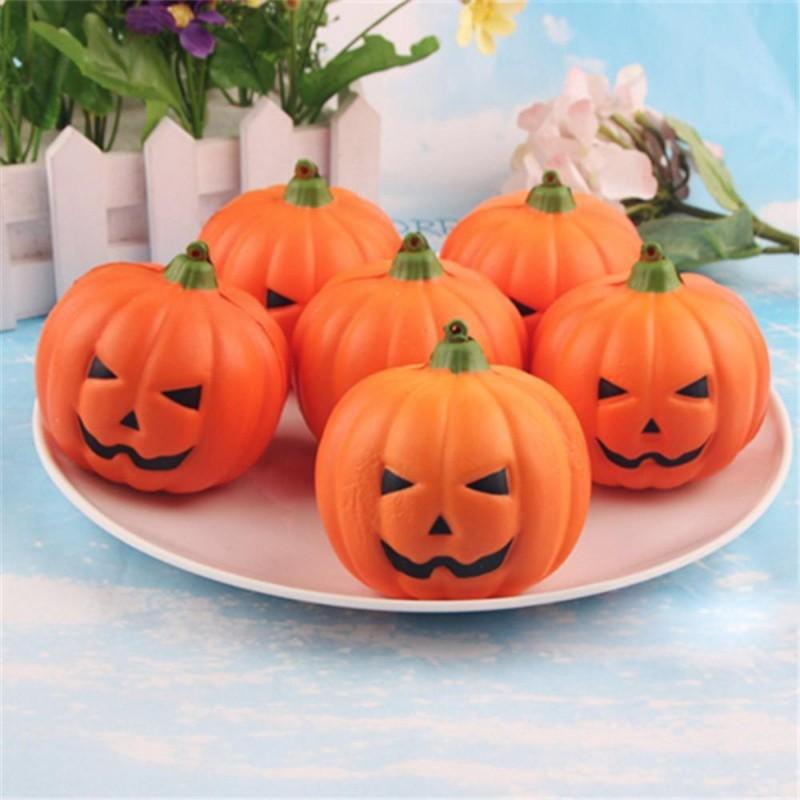 halloween deko teller mit kürbissen
