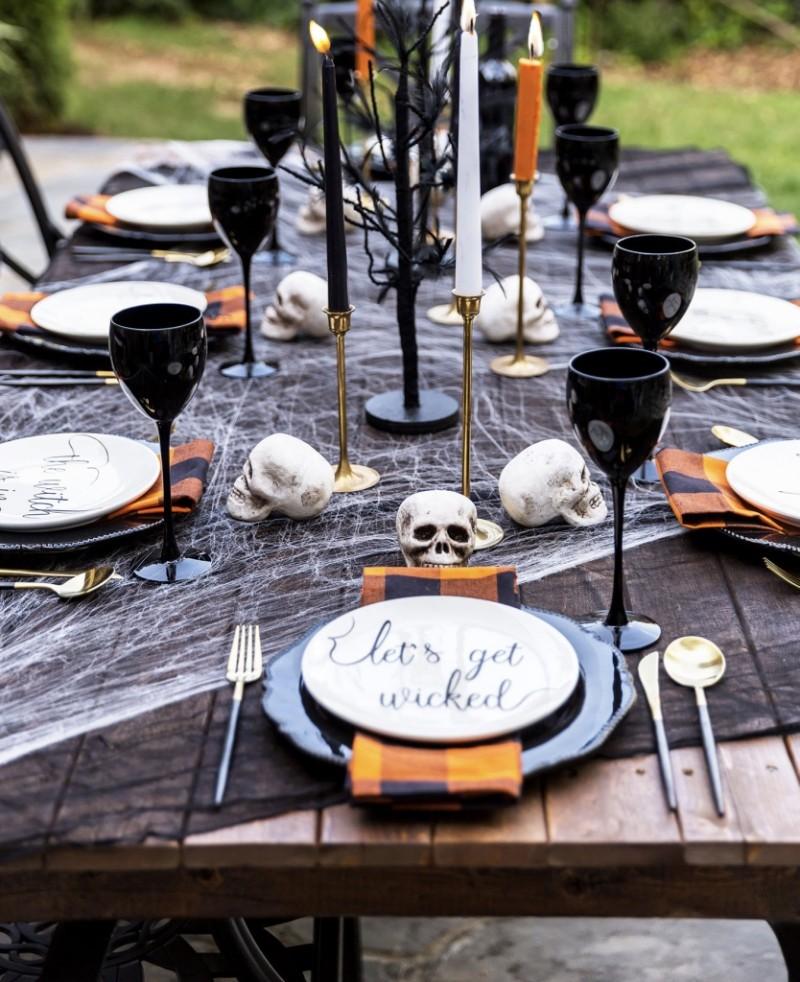 halloween deko toller tisch aus holz
