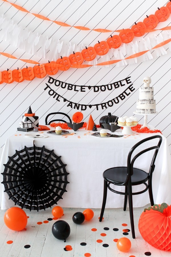 halloween deko weiß orange und schwarz