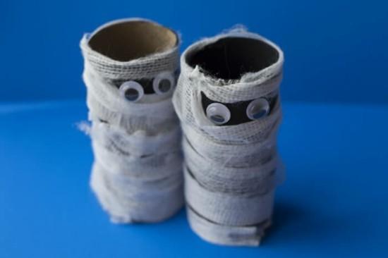 halloween mumien basteln mit klorollen