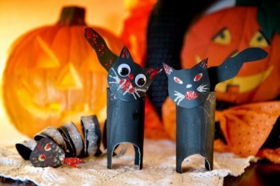 halloween schwarze katzen basteln mit klorollen