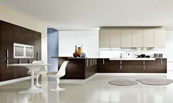 küche einrichten brauntöne holz mit weiß kombinieren