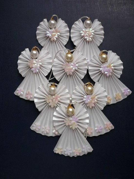 kleine engel basteln mt papier und perlen